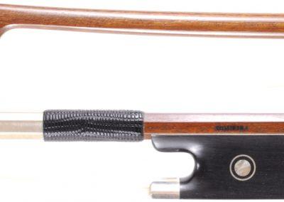 Brazillian Pernambuco Violin bow. Silver mountings, 61.8 grams